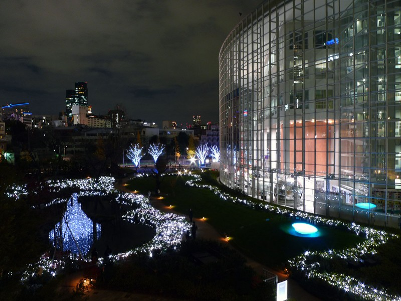 roppongi hills illuminations christmas lights asahi tv tokyo japan
