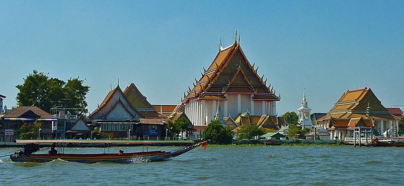 Chao Phraya River bangkok Wat Kalayanmit