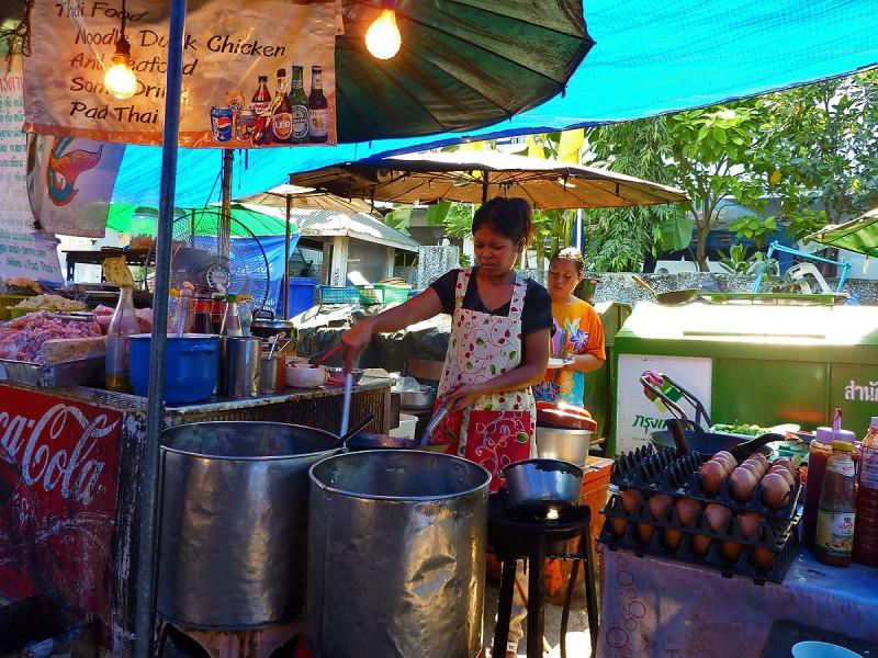 lunch thai food off Chao Phraya River
