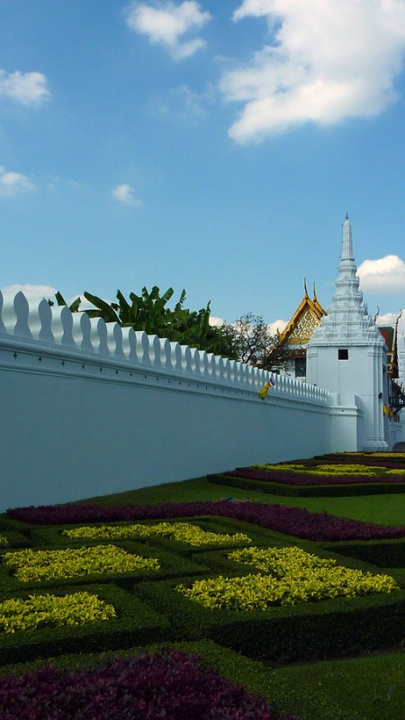 Wat Phra Kaew fence and outer grounds