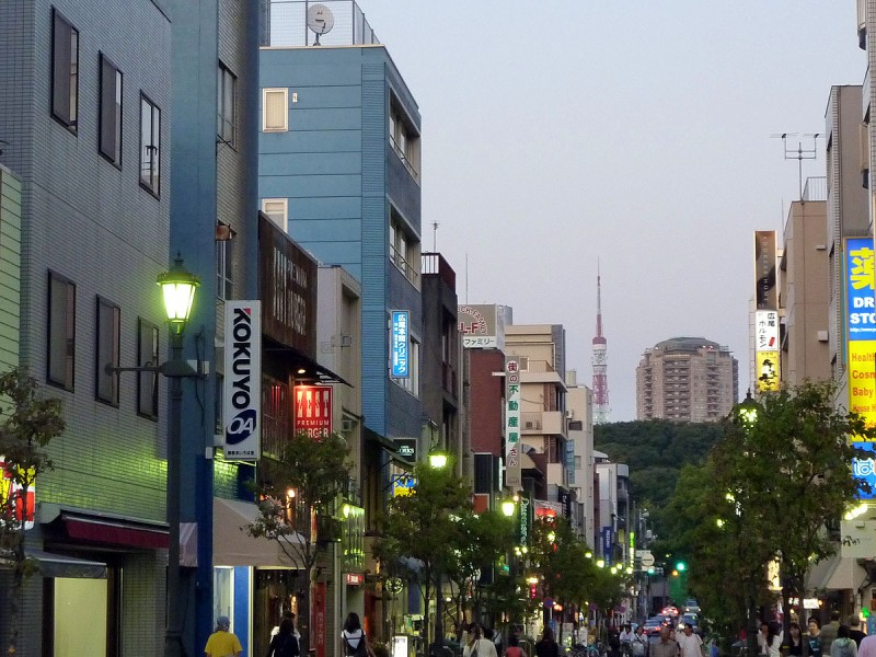 tokyo tower from hiroo japan