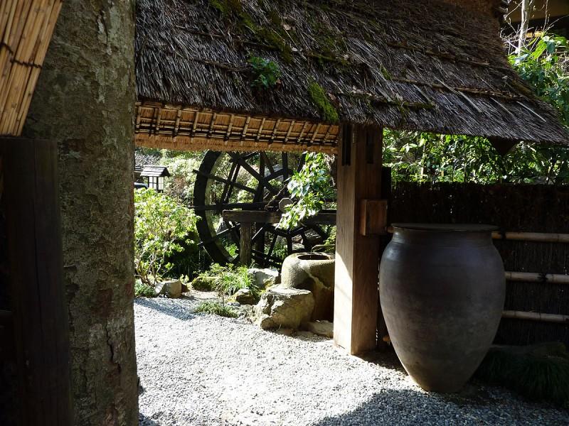 gate at kurochaya tokyo japan
