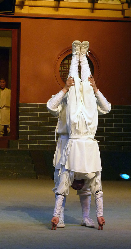 balance on finger shaolin monastery zhengzhou china