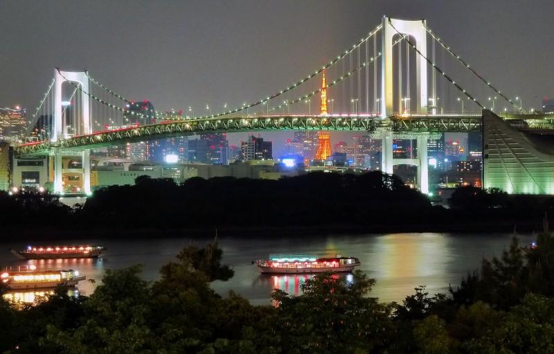 lantern boats in tokyo bay