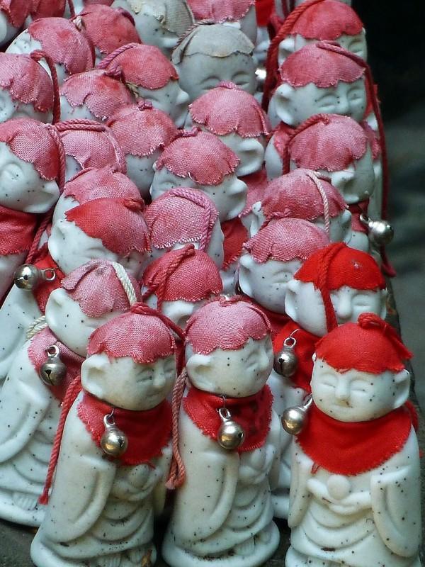 mini jizo red bibs hats