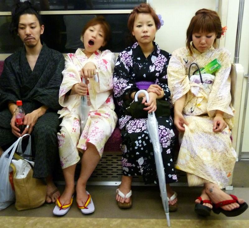 hanabitaikai festival japanese girls dressed up kimono