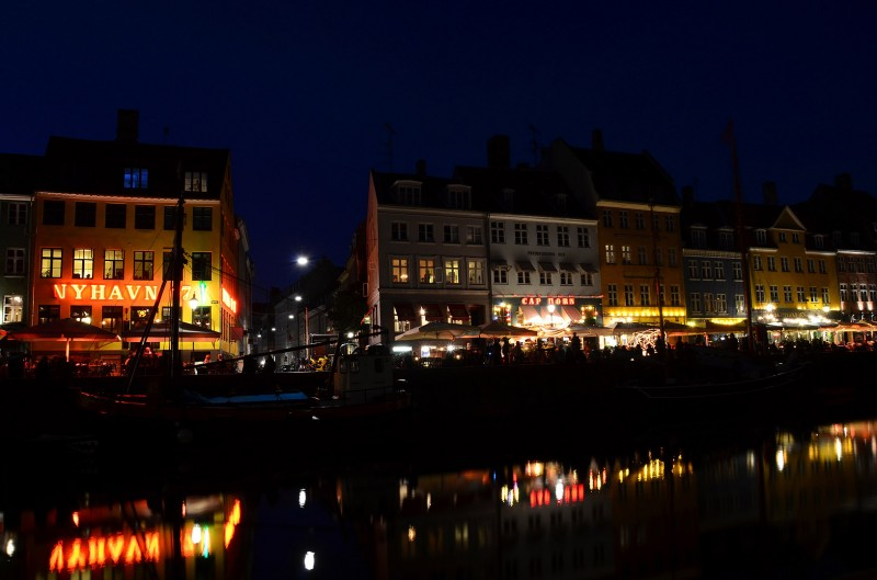 copenhagen nyhavn evening after dark