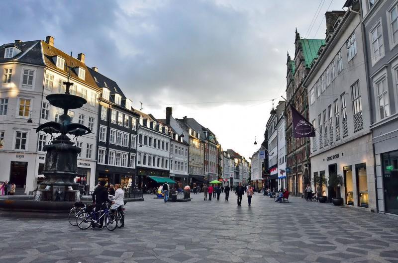 copenhagen stroget longest shopping street in the world