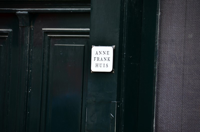 anne frank house sign