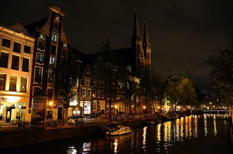 netherlands amsterdam canal night dark photo