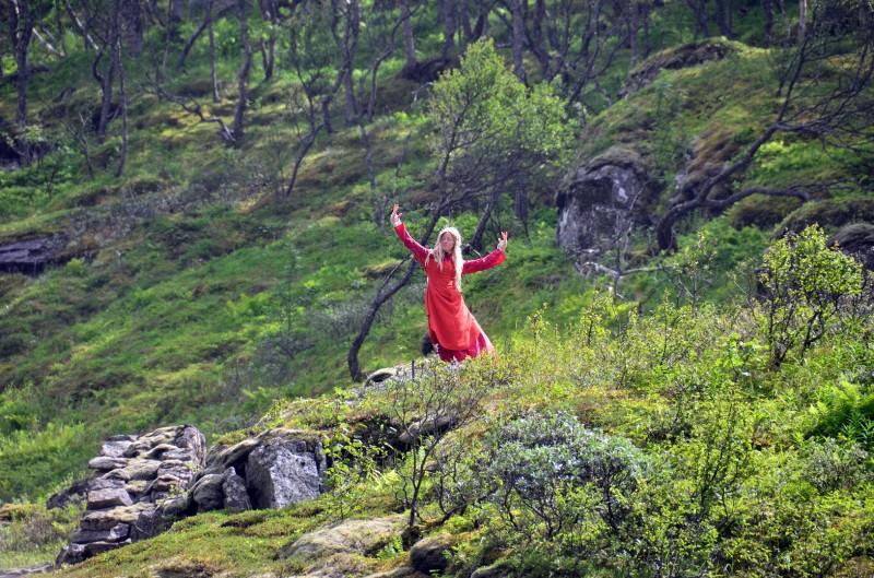 Kjosfossen waterfall huldra red ladies