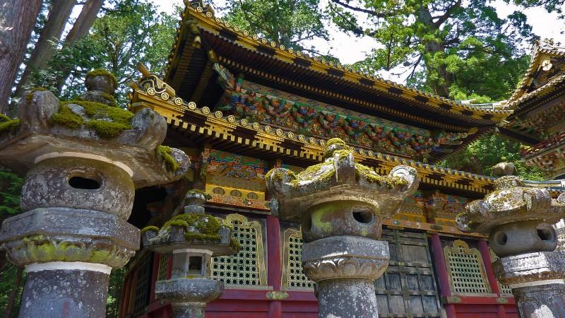 日光東照宮 japan shrine stone lantern moss