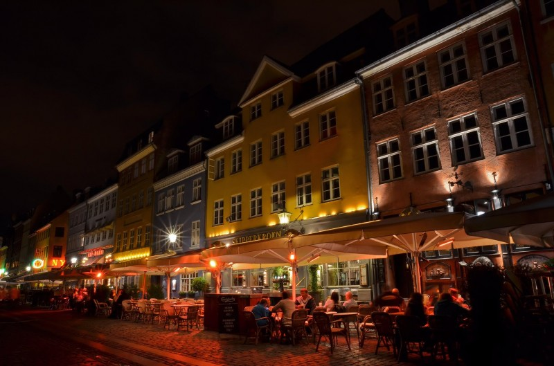 night photography nyhavn denmark copenhagen after dark