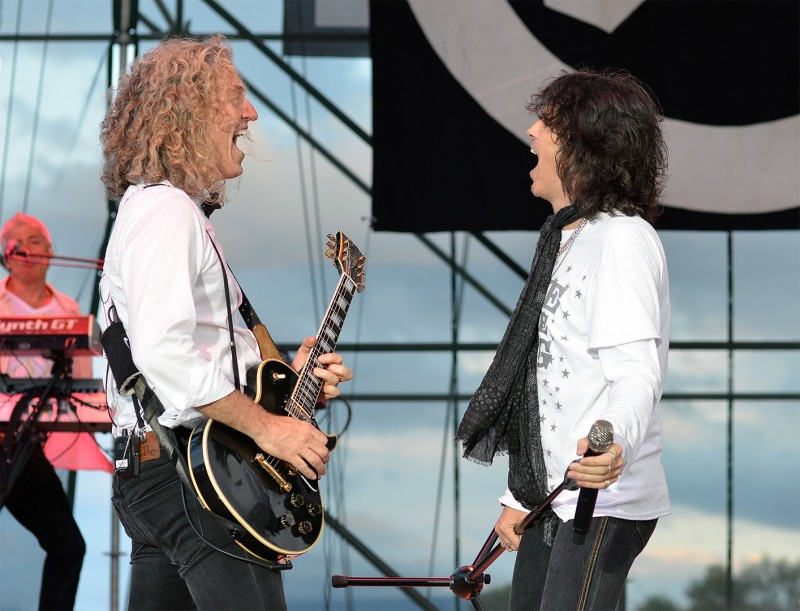 Bruce Watson and Kelly Hansen of Foreigner