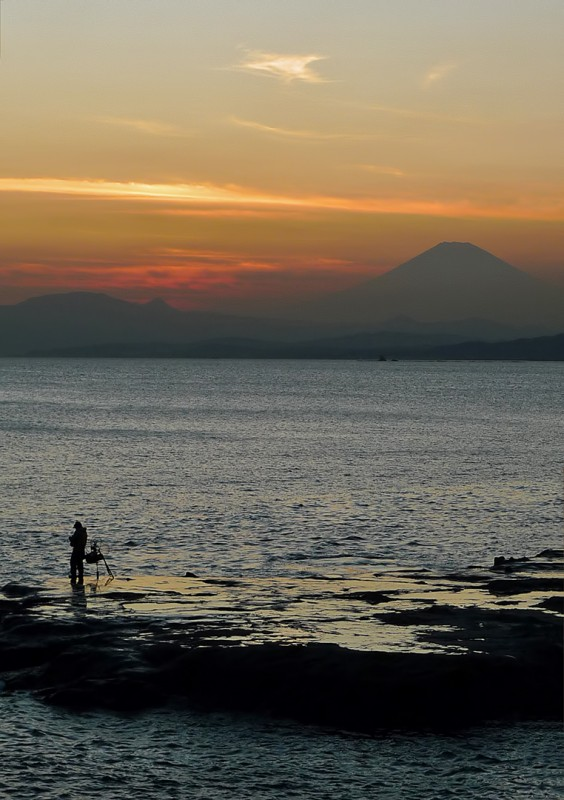 enoshima japan mount fuji fisherman sunset
