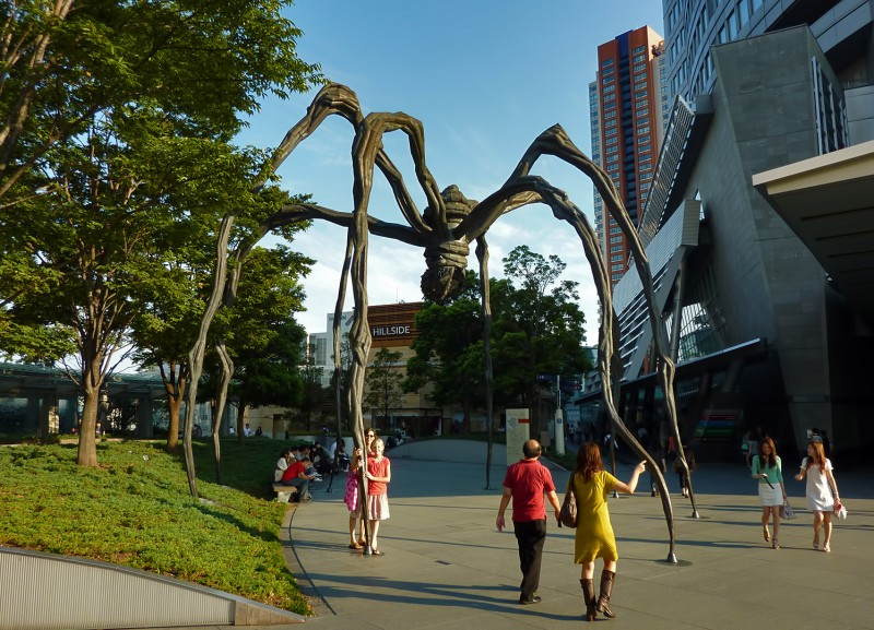 maman mori tower giant spider Louise Bourgeois