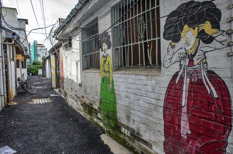 gwangju art street alley graffiti