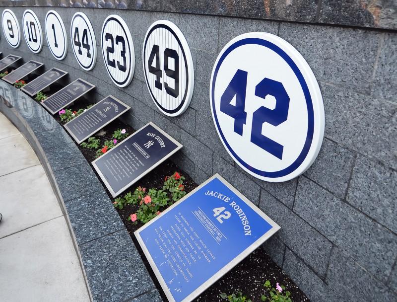 jackie robinson 42 yankee stadium