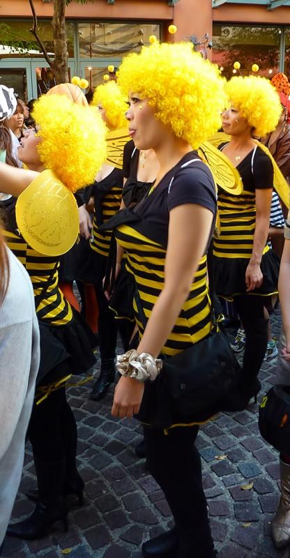 LA CITTADELLA Japan halloween costume bumble bees kawasaki parade