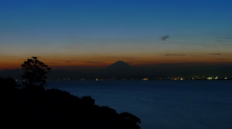 mt fuji from enoshima