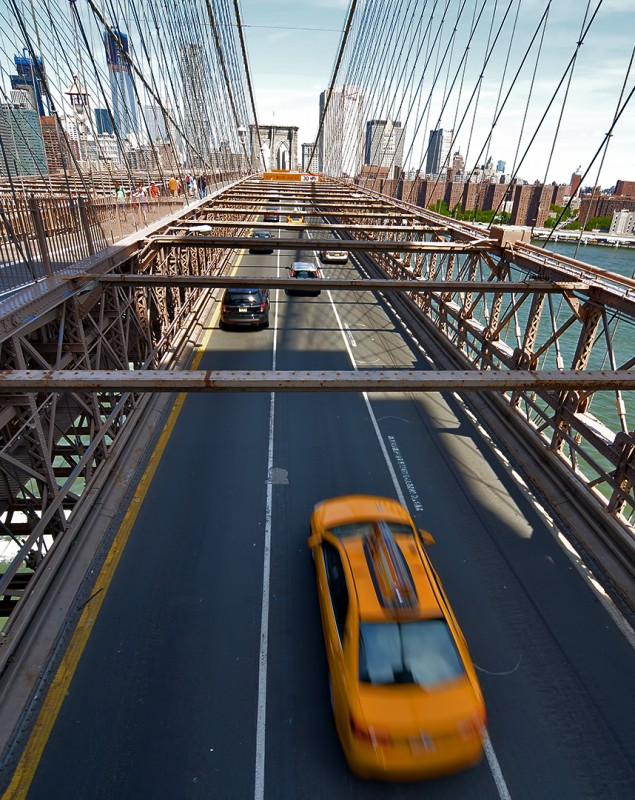 brooklyn bridge taxi new york