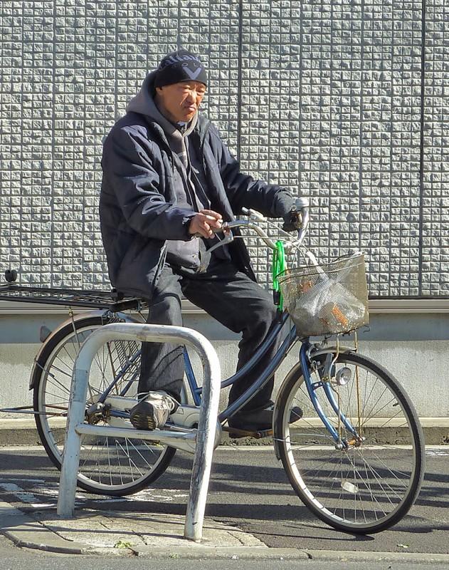 japanese dude shopping bike