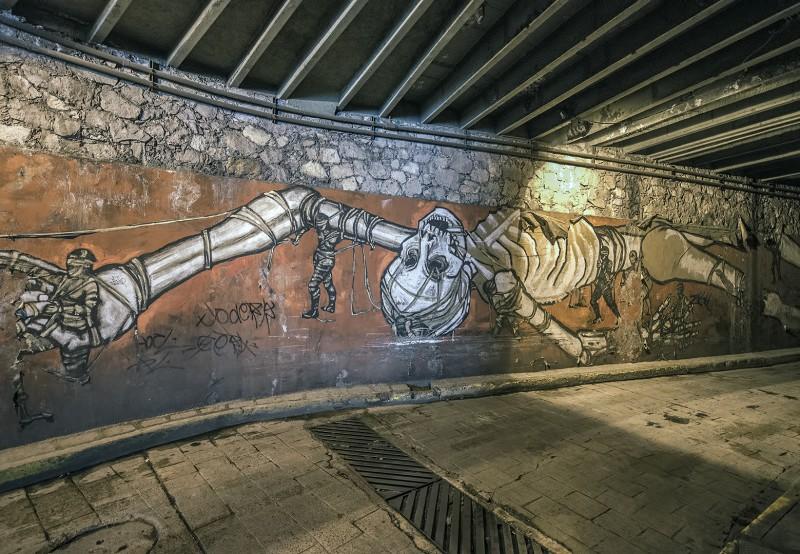 guanajuato tunnel graffiti skeleton