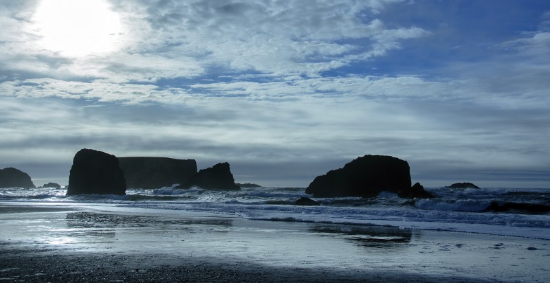 bandon beach pacific ocean rocks