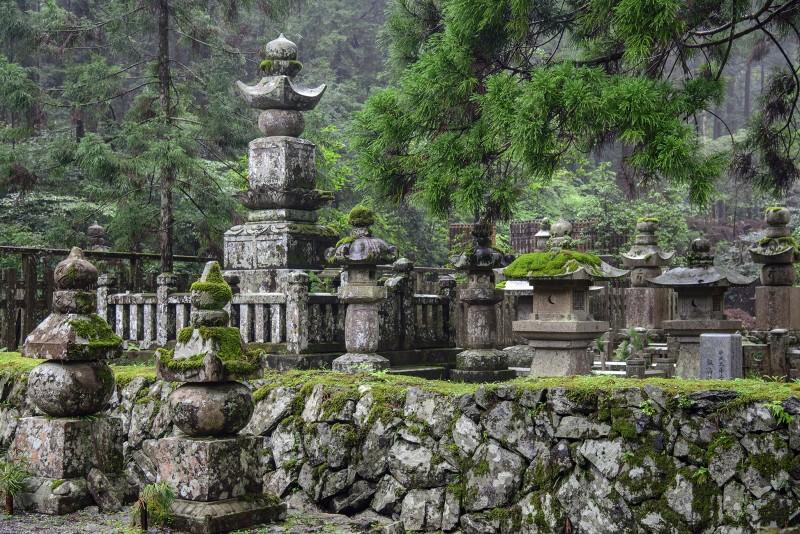 koyasan cemetery japanese okunoin