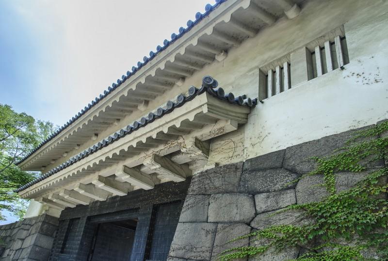 aoyamon gate osaka castle