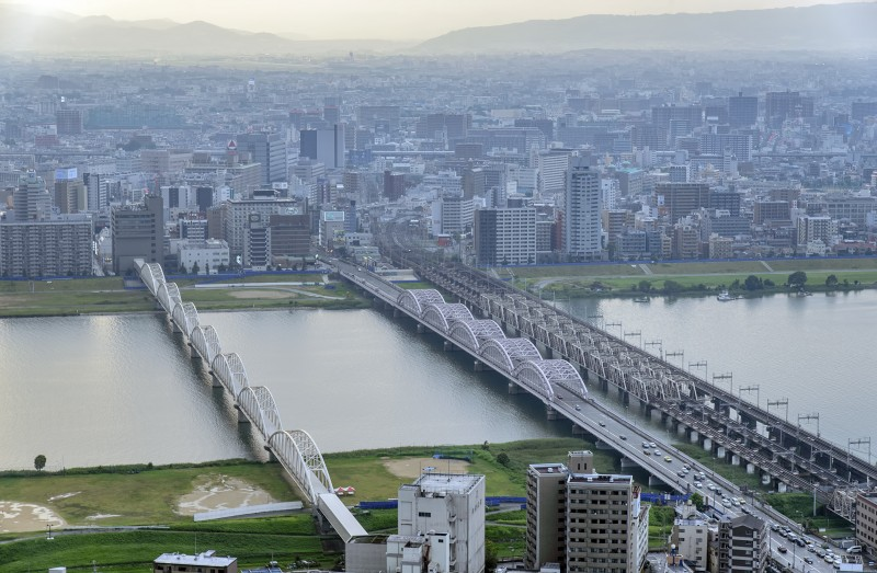 NTT西日本 淀川ビル yodo river osaka bridges