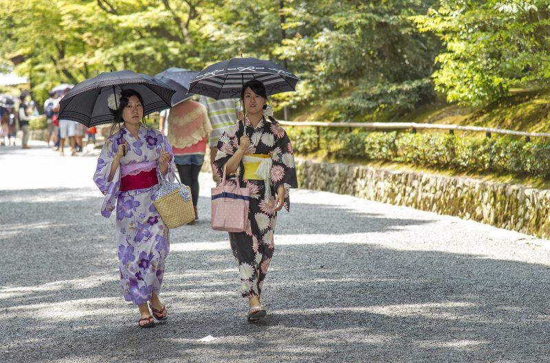 kyoto girls japanese yukata kimono umbrella kinkakuji golden pavilion temple