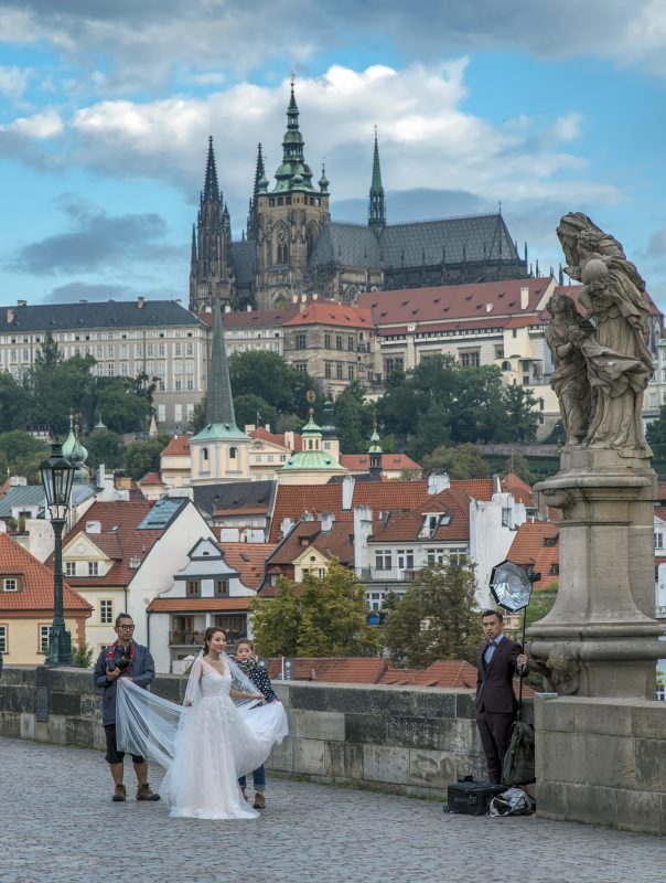 charles bridge chinese bride prague