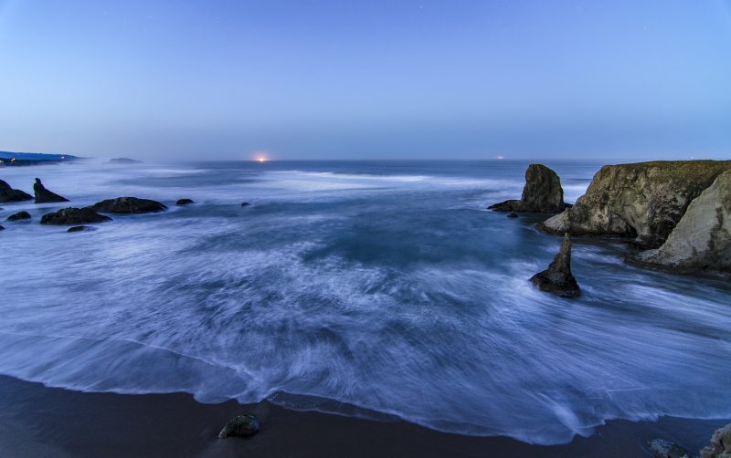 bandon pacific ocean blue hour