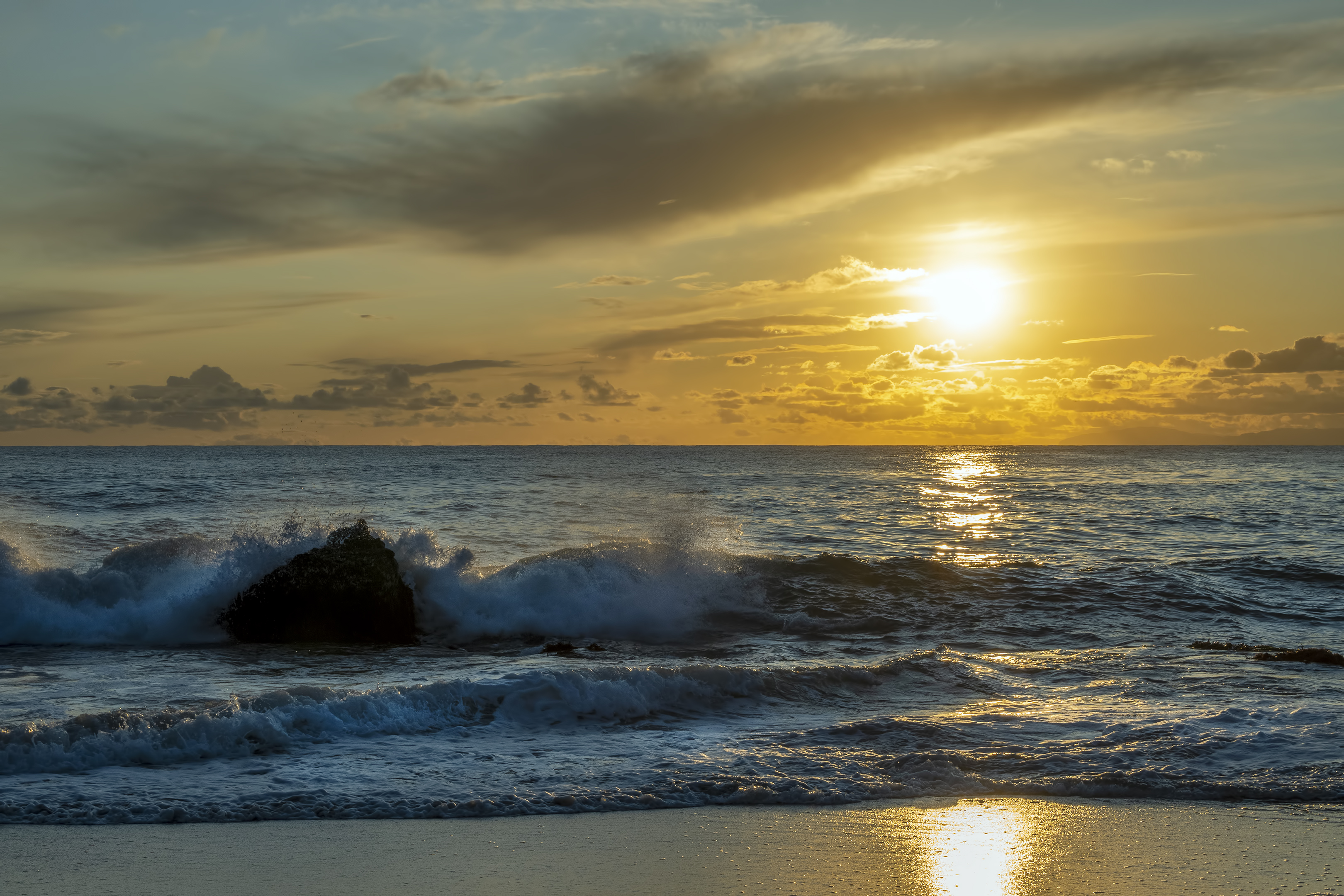laguna beach sunset shaws cove