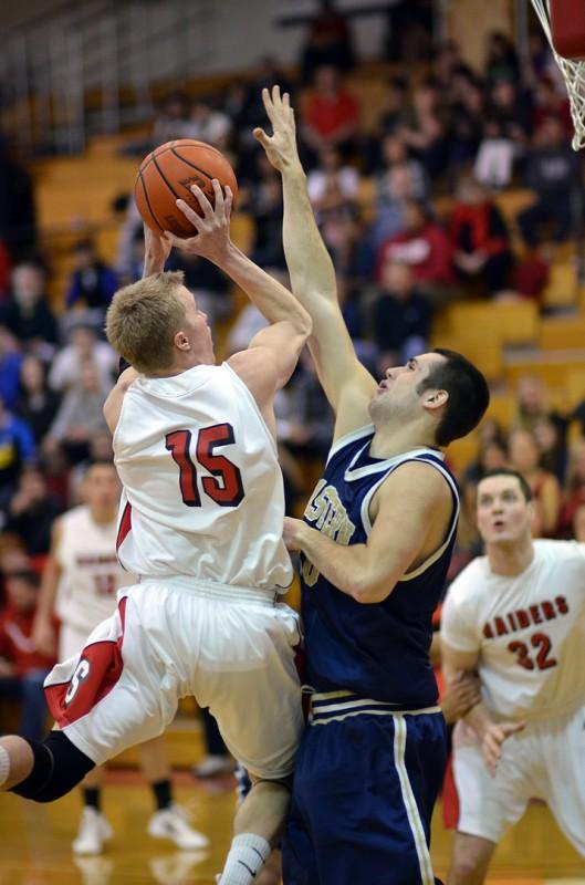 Taylor Roos southern oregon university men's basketball