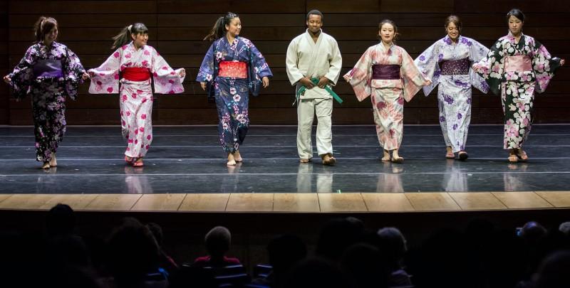 Japan fashion show SOU ISA international show 2013