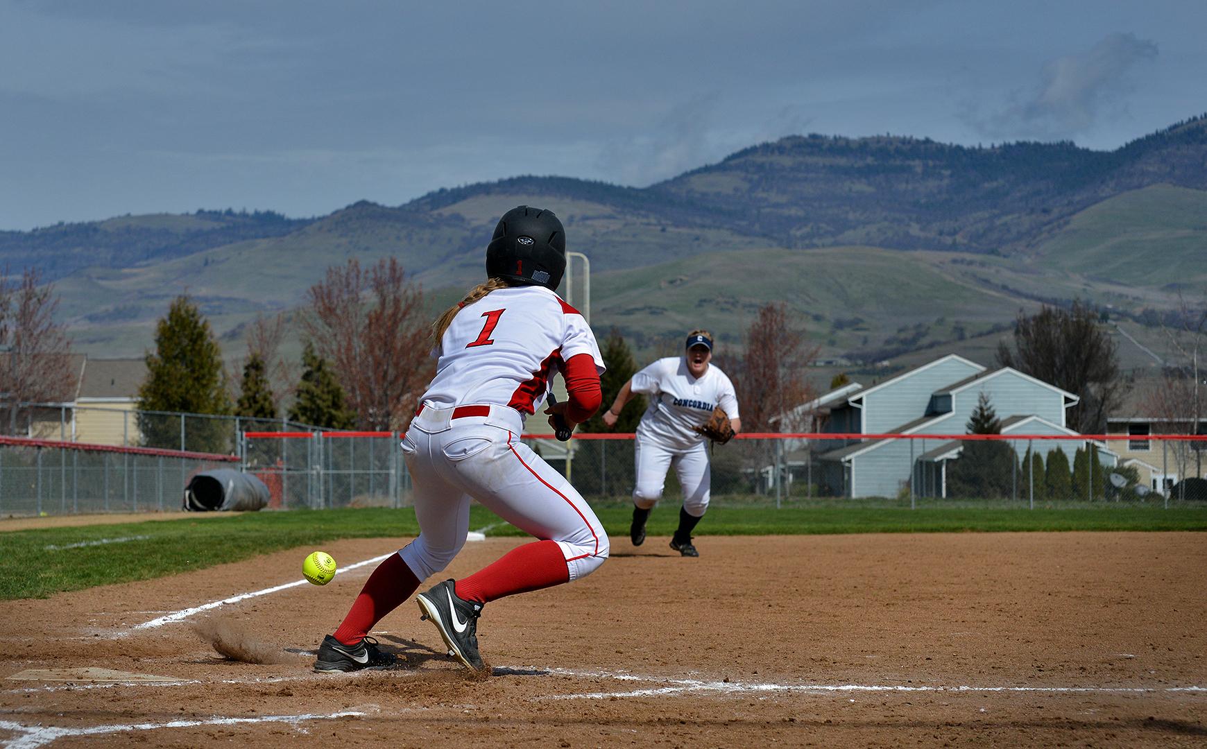 Kara Kelsey SOU softball nikon d600 70-300mm sports photography