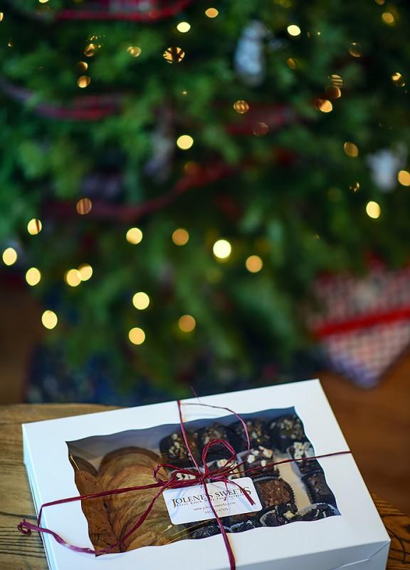 jolene's sweets christmas tree