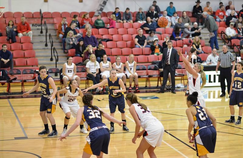 SOU Women's Basketball Kristen Schoenherr photo by al case photography ashland daily photo