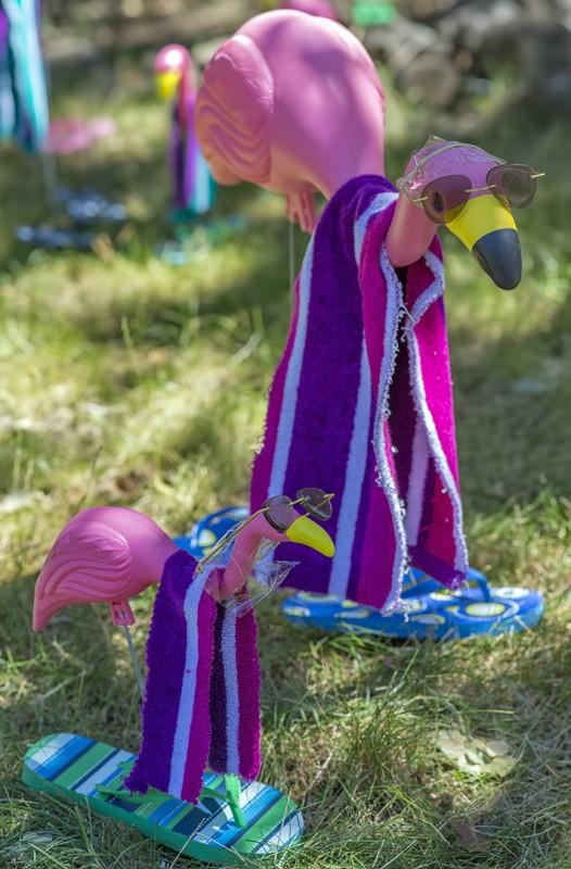 summer pink flamingos lawn ornament