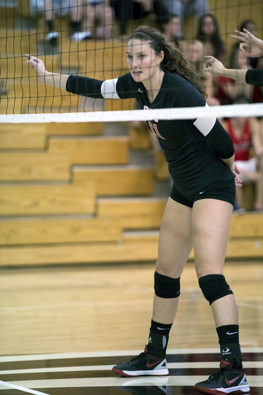 Southern Oregon University volleyball - Emma Gasman