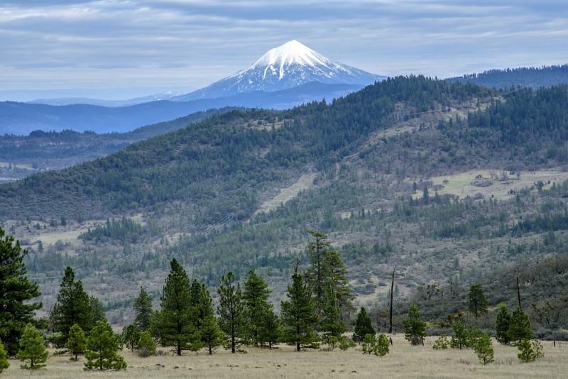 mount mcloughlin from roxy ann peak hike trail