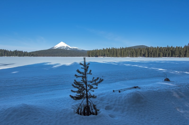 Mount McLoughlin lake of the woods snow ice mt mclaughlin
