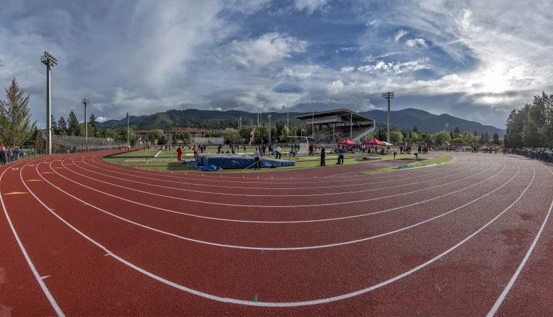 6-photo photomerge raider stadium track