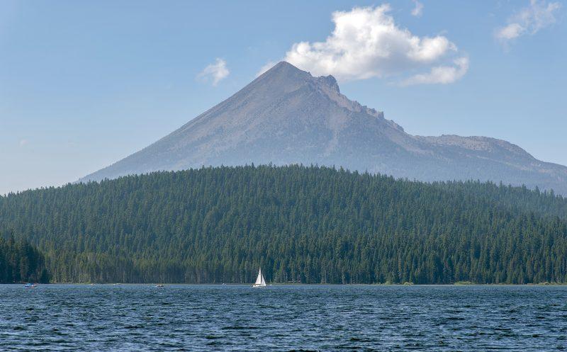 lake-of-the-woods-sailboat-mt-mclaughlin