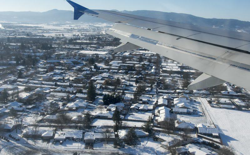 flying into medford snow mfr