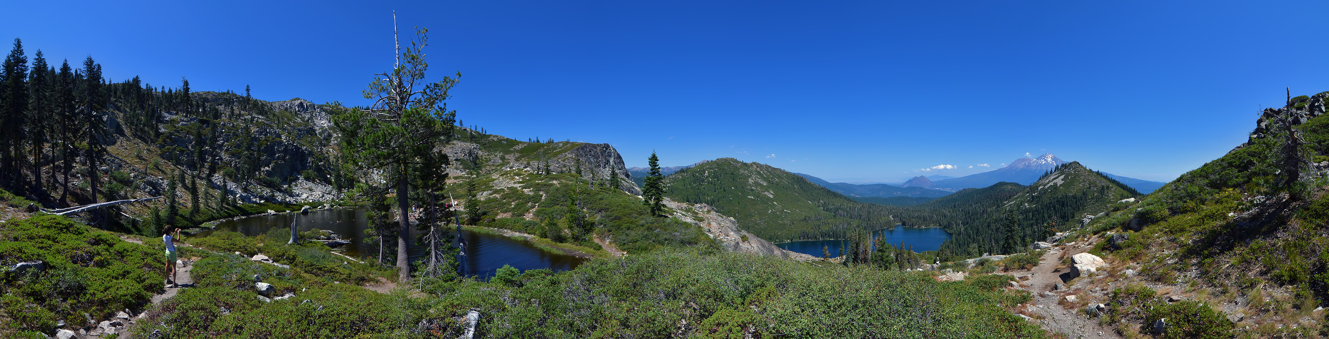 heart and castle lakes panorama