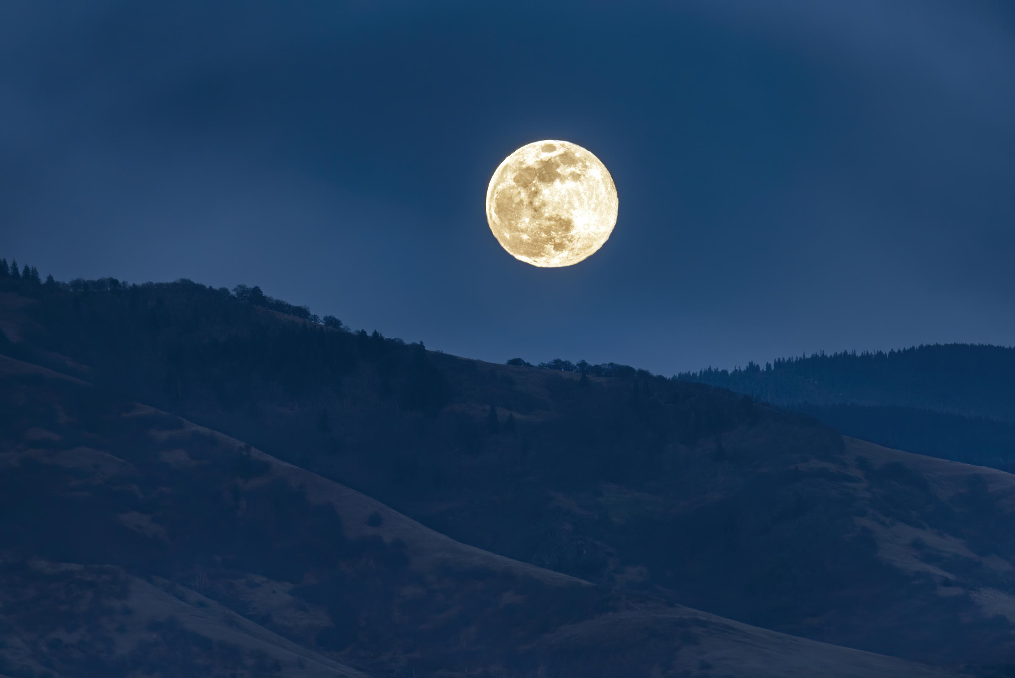 full moon ashland topaz ai denoise