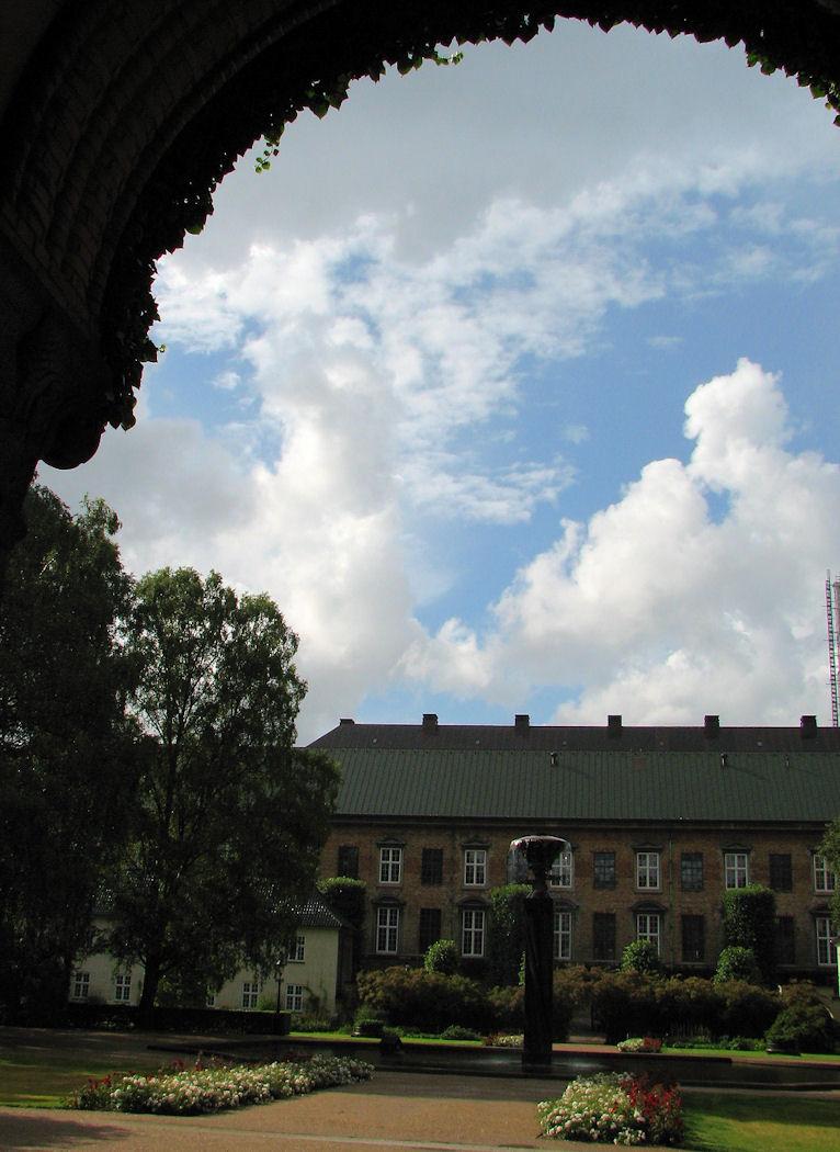 Cloud frame on Slotsholmen
